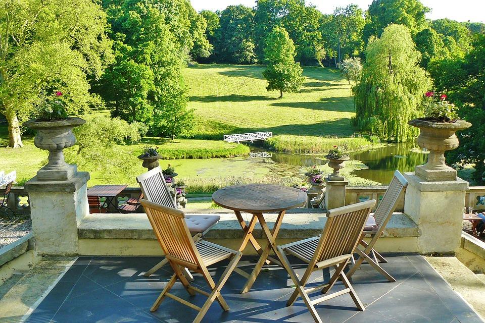 Guide pratique : Transformer son jardin en terrasse | Guide ...